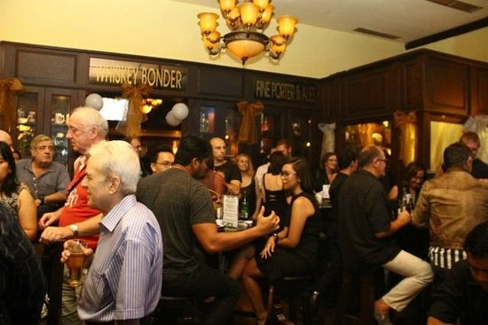 Murphy's Irish Pub & Restaurant: A full house