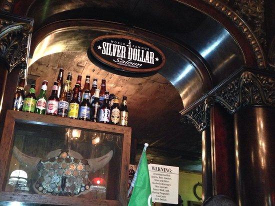 Silver Dollar Saloon: Awesome bar/Restaurant