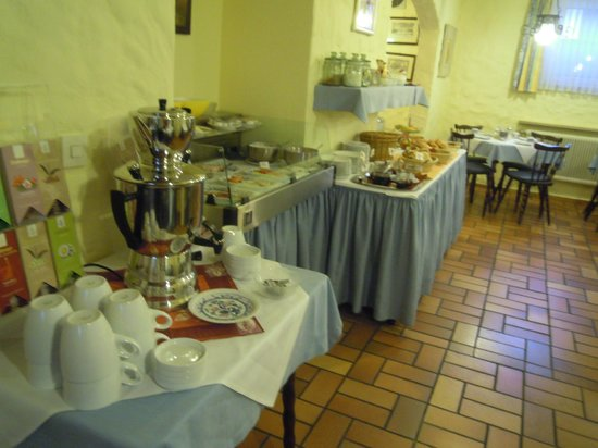 Hotel Garni Nuernberger Trichter : reichaltiges Frühstück