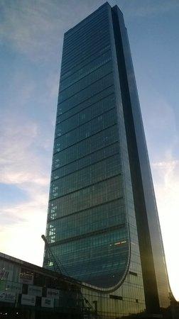 Movenpick Hotel Istanbul : мегамолл