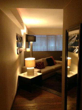 Las Suites : livingroom area