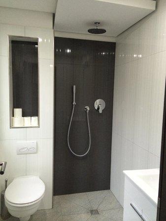 Buergerhofhotel Koln: private bathroom