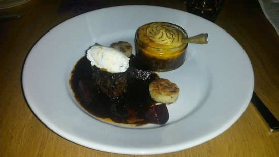 Peninsula Dining Room: Shin on beef with mini cottage pie! Delish x