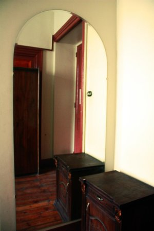 Hola Cairo Hostel: 3 Bed Private, Private Bathroom, A/C