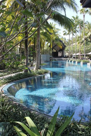 Twinpalms Phuket: Hotel swimming pool in lovely garden
