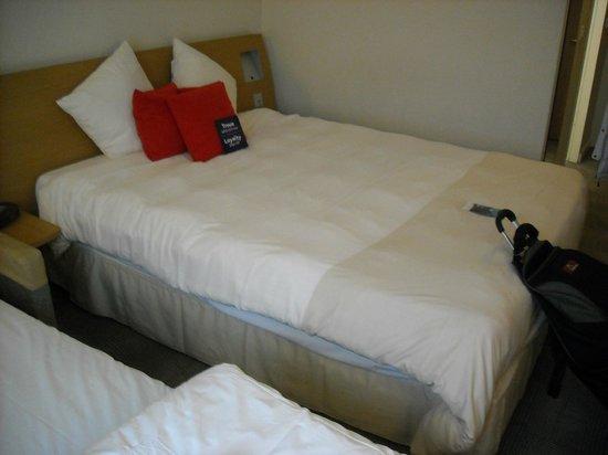 Novotel Zurich Airport Messe: Good bed