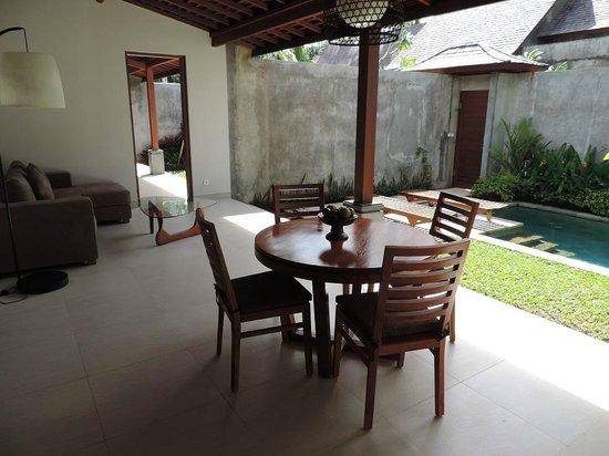 Ubud Padi Villas: Villa Santun Outdoor