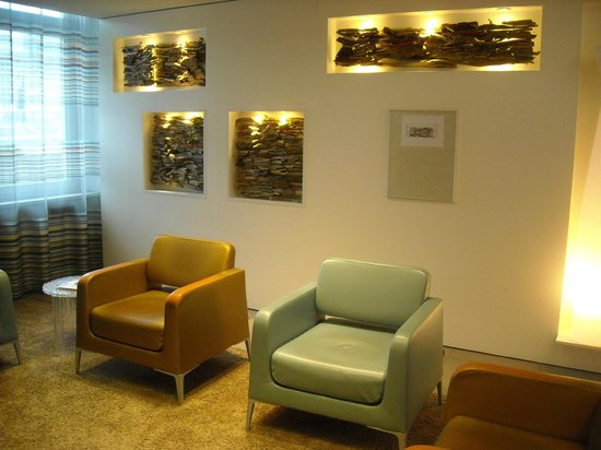 Novotel Zurich Airport Messe: Relax place at lobby