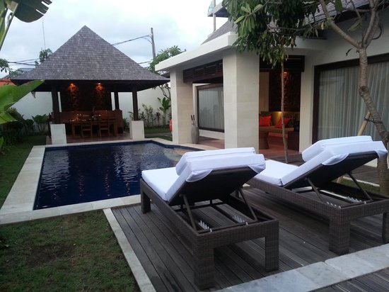 The Haere: View of villa's pool. Only 2 loungers are available.