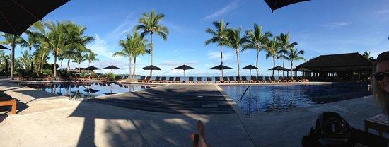 Hilton Fiji Beach Resort & Spa: adults pool