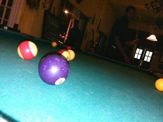 Moxons Beach Club: Playing Pool