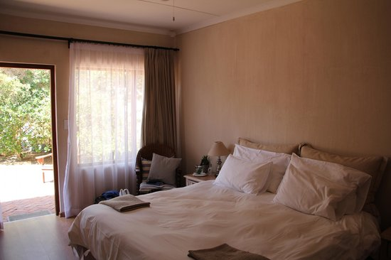Sandfields Guesthouse: Inside the room - very spacious