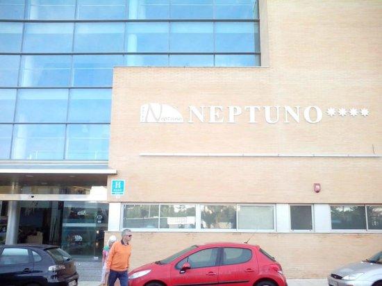Hotel Neptuno: Muy buen hotel y mucho aparcamiento