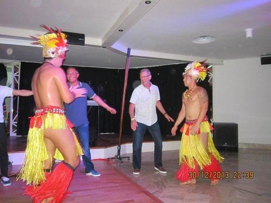 H10 Conquistador: taking part in the entertaiment