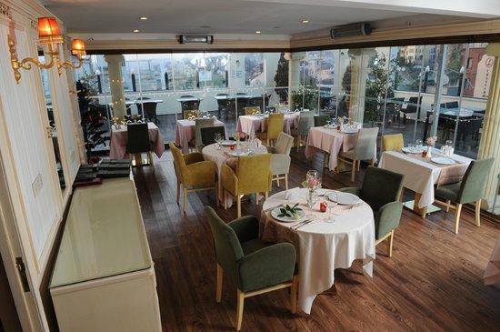 Albatros Premier Hotel: restaurant