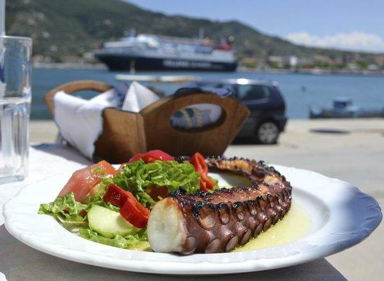 Adrina Beach : Lunch in Skopelos