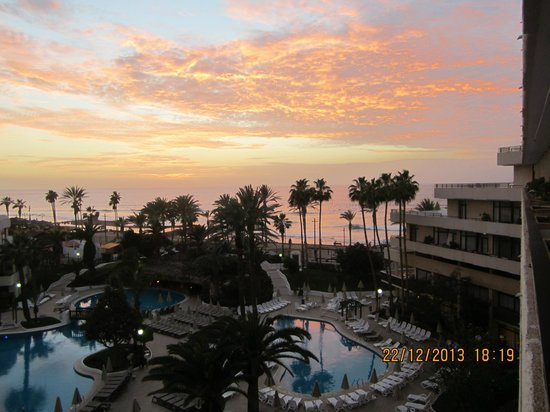H10 Conquistador: amazing sunsets enjoyed from the balcony