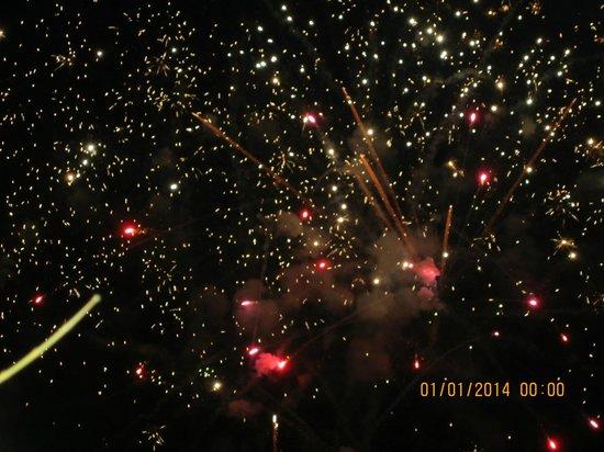 H10 Conquistador: firework disply