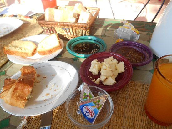 Las Palmeras : bread for breakfast everyday oh yum
