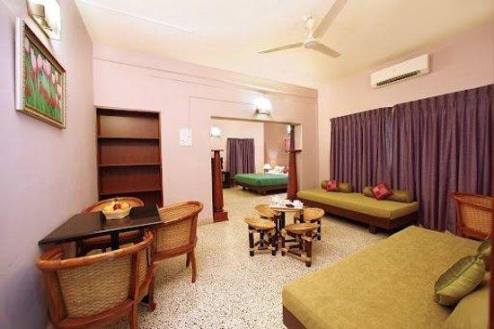 Hanu Reddy Residences,Wallace Garden : presedential suite