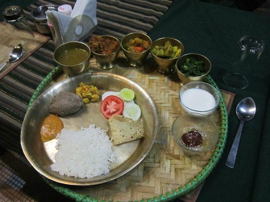 Lake View Resort: nepali thali