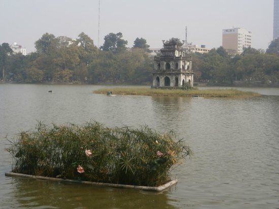 Lake of the Restored Sword (Hoan Kiem Lake): Hoan Kiem Lake
