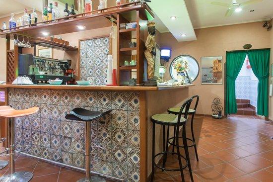 Hotel Toledo: Bar