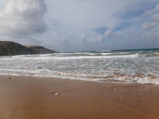 Ramla Bay: Пляж с золотым песком