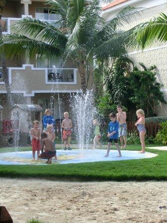 Dreams Palm Beach Punta Cana: Garten vom Kidsclub