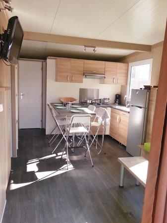 Camping Les Ilots d'Or: cuisine gitotel