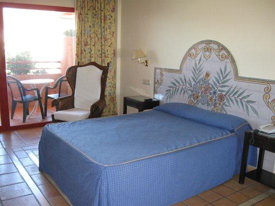 Almunecar Playa Spa Hotel: Schönes und geräumiges DZ als EZ