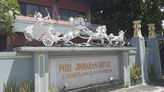 Puri Jimbaran Hotel: Main entrance