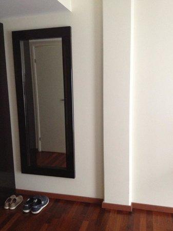L'Ermitage Hotel: room