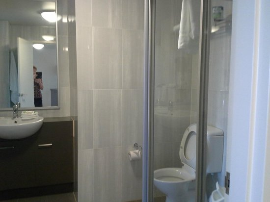 BEST WESTERN City Sands-Wollongong Golf Club: Bathroom
