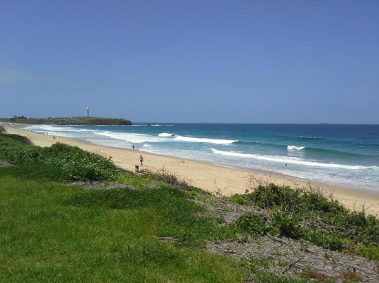 BEST WESTERN City Sands-Wollongong Golf Club: Beach close by