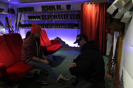 Grindelwald, Sveits: Bahnhof shop fitting room