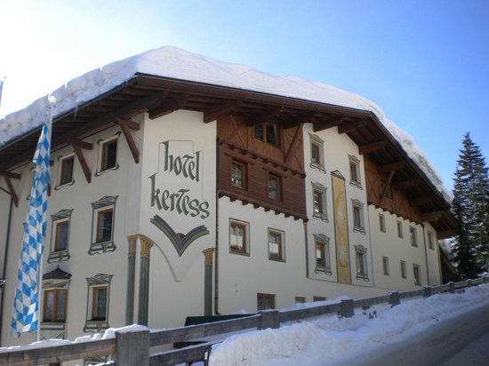 Hotel Kertess: Exterior view