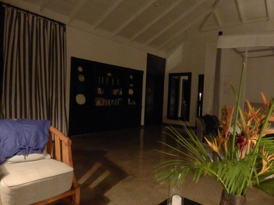 Kahanda Kanda: Bedroom