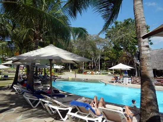 Kole Kole - Baobab Resort Diani: piscina