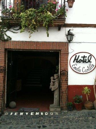 Hotel Emilia: Fachada