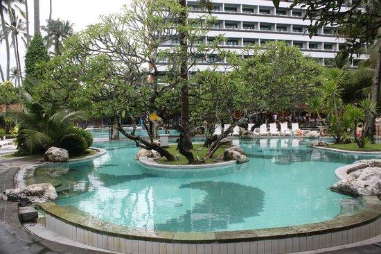Inna Grand Bali Beach Hotel : main pool
