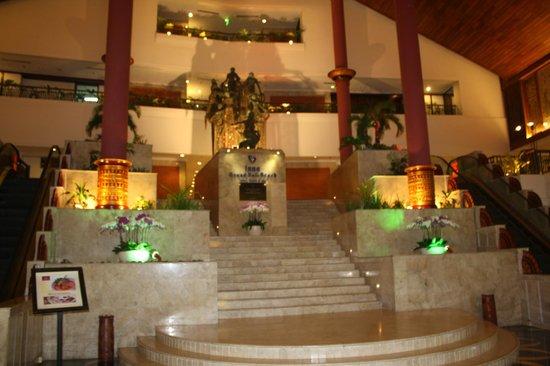 Inna Grand Bali Beach Hotel: foyer