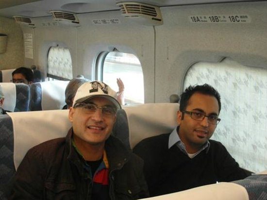 Grand Hotel Hamamatsu : Me(cap)In the Bullet train with my pal Hamza