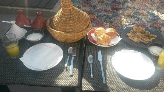 Riad Lola : Desayuno en la terraza