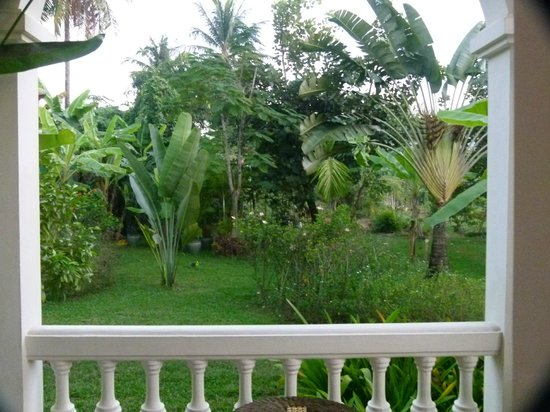 The Luang Say Residence : grounds (view from balcony)