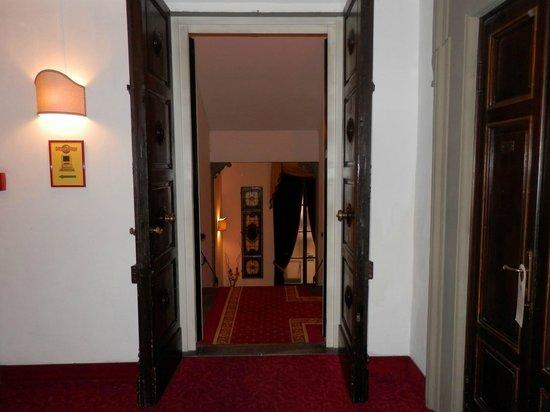 Paris Hotel: Pasillos