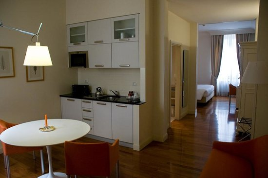 Residence Hilda: Great Location, Beautiful Apartment, Excellent Service