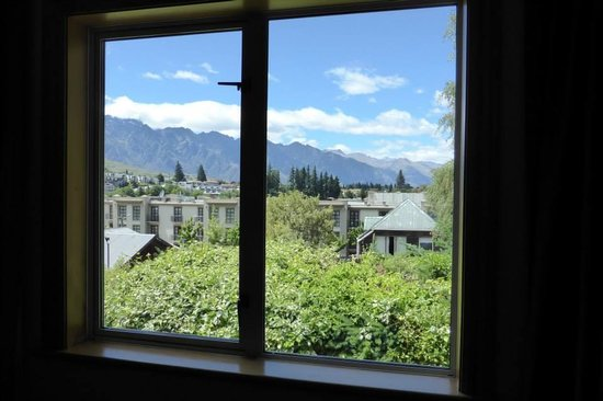 The Dairy Private Hotel: View of the Remarkables Mountains from our room