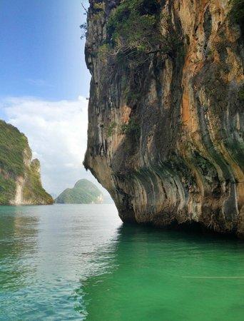 Phuket Sail Tours: Rocks n colors