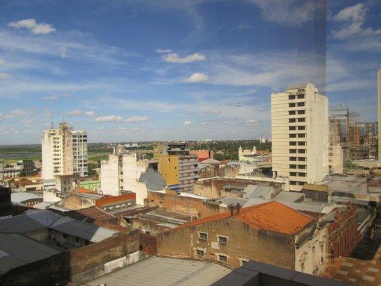 Hotel Las Margaritas: vista do apartamento com o rio paraguai ao fundo